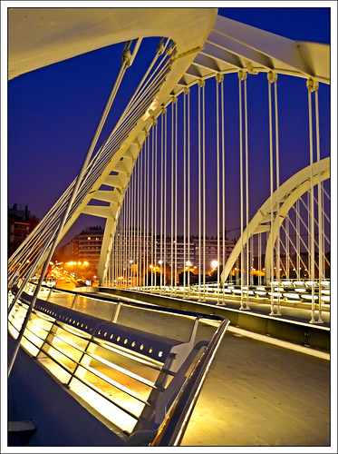 Pont bac de roda barcelona a photo on flickriver for Gimnasio bac de roda