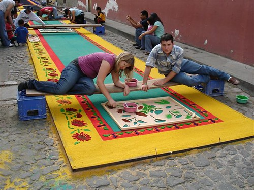 Stream tattoos alfombras semana santa guatemala for Antigua alfombras