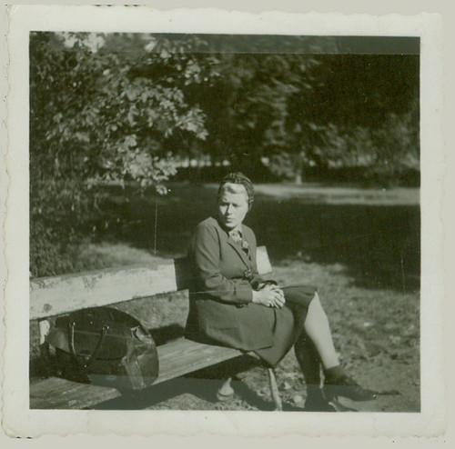 1944 Kalisch park bench