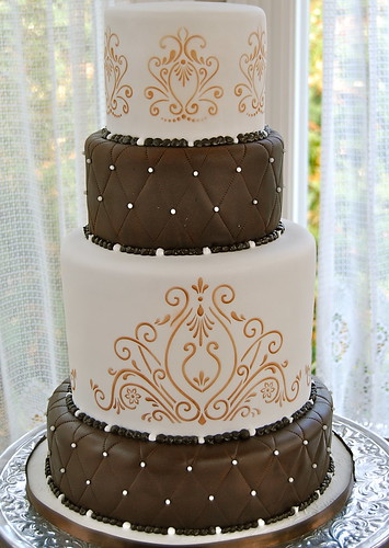 chocolate brown and gold wedding cakes brown white and gold wedding cakethebridalblog wedding 12689