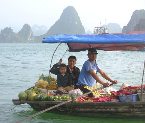 Sur l'eau-Ha Long