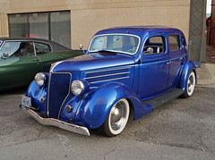 1936 Ford 4-Door Sedan (1 of 2)