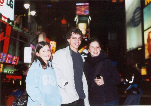 Frère et soeurs à Time Square (by night) I