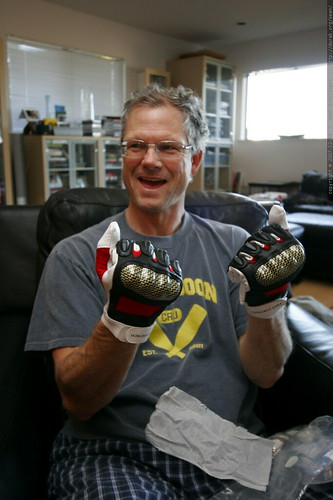 gloves with carbon reinforced knuckles    MG 7727