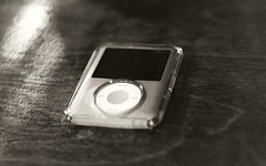ipod, white, portable media player, multimedia, monochrome photography, electronics, gadget, black-and-white, black, media player,