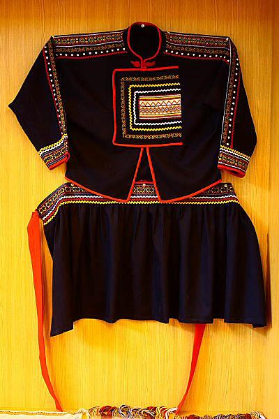 1U69布農族文物-傳統服飾