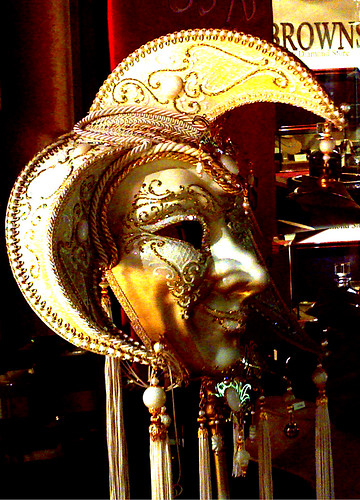 Jester Mask White and Gold