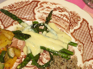 Asparagus with vegan hollandaise