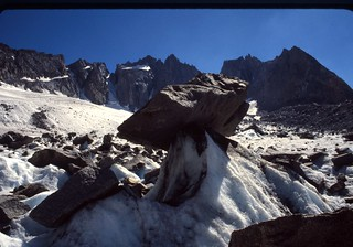 rocks on tall ice, n palisade glacier