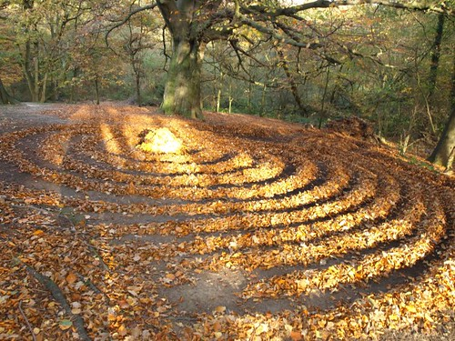 Landart Gold leaves