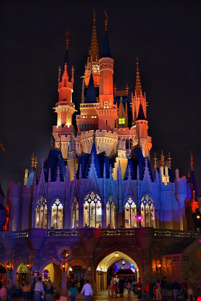 Disneyland Castle At Night Disney - Cinderella Ca...