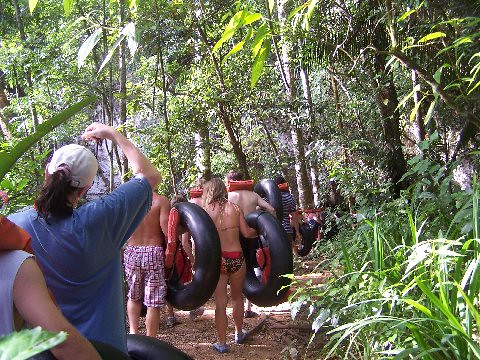 Jungle walk & cave tubing - Belize