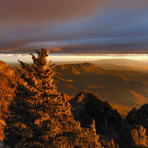 sunset newmexico clouds albuquerque gettyimages sandiapeak sandiamountains nikond200 nikon18200mmf3556gvr