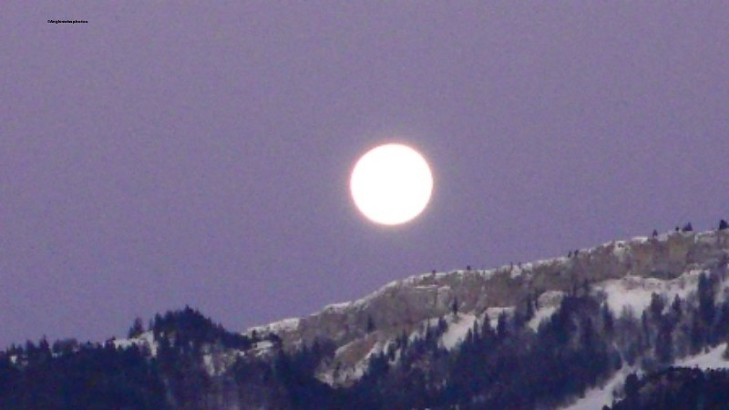 Full moon over the Jura, Bellach