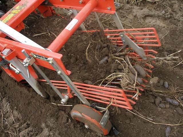 how to build a potato digger