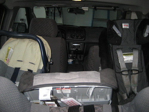 child car seat nissan pathfinder. Black Bedroom Furniture Sets. Home Design Ideas