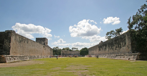 Brian Snelson's photo of the Great Ball Court at Chichén Itzá.