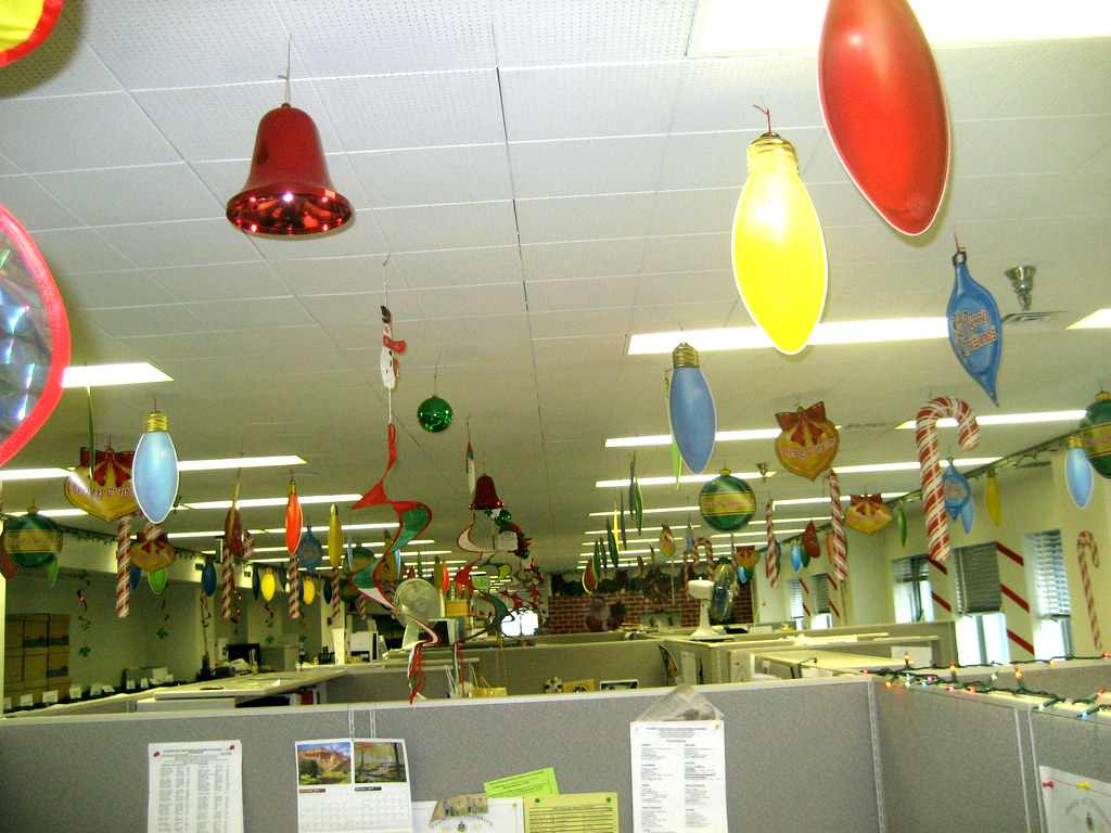 Christmas decorations for office christmas decorations for Christmas party ideas for small office