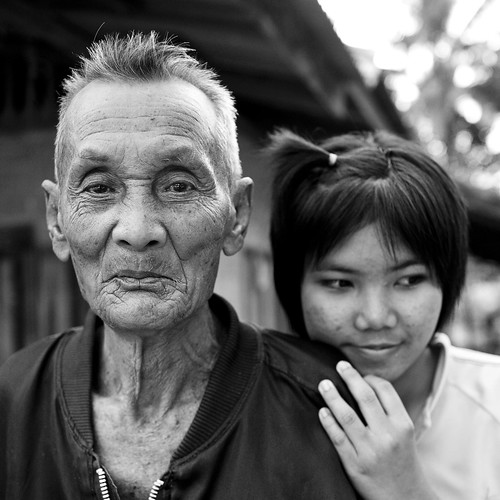 "Learn Thai - Girl with Grandfather - Issan ""As The Wheel Turns"""