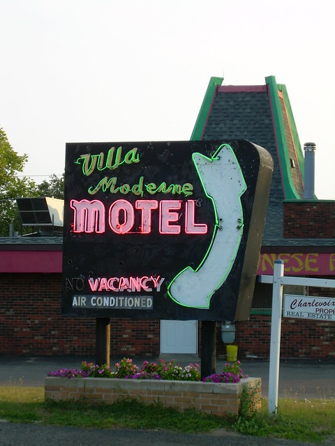 Flickriver photoset 39 retro signs 39 by whflood for Villa moderne motel