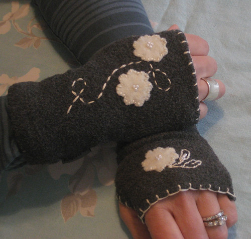 Refashioned: Fleece gloves to Handwarmers