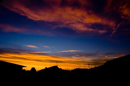 morning winter sky orange sun sunrise canon eos 350d nuvole mourning cloudy alba blu giallo cielo 1855 sole viola colori efs madrugada benji arancione mattina excapture colorfullaward