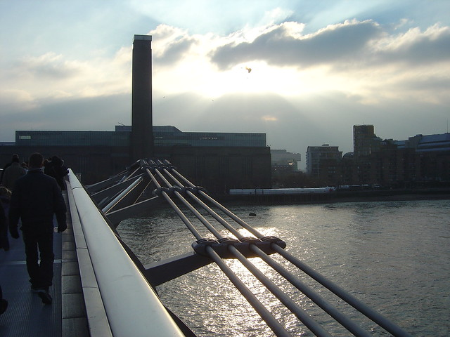 Millenium Bridge Tate Modern Museum London