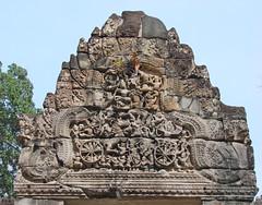 La bataille de Langkâ, fronton du gopura ouest (Preah Khan)