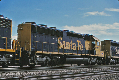 Santa Fe SD45-2 #5707 On Needles Sub