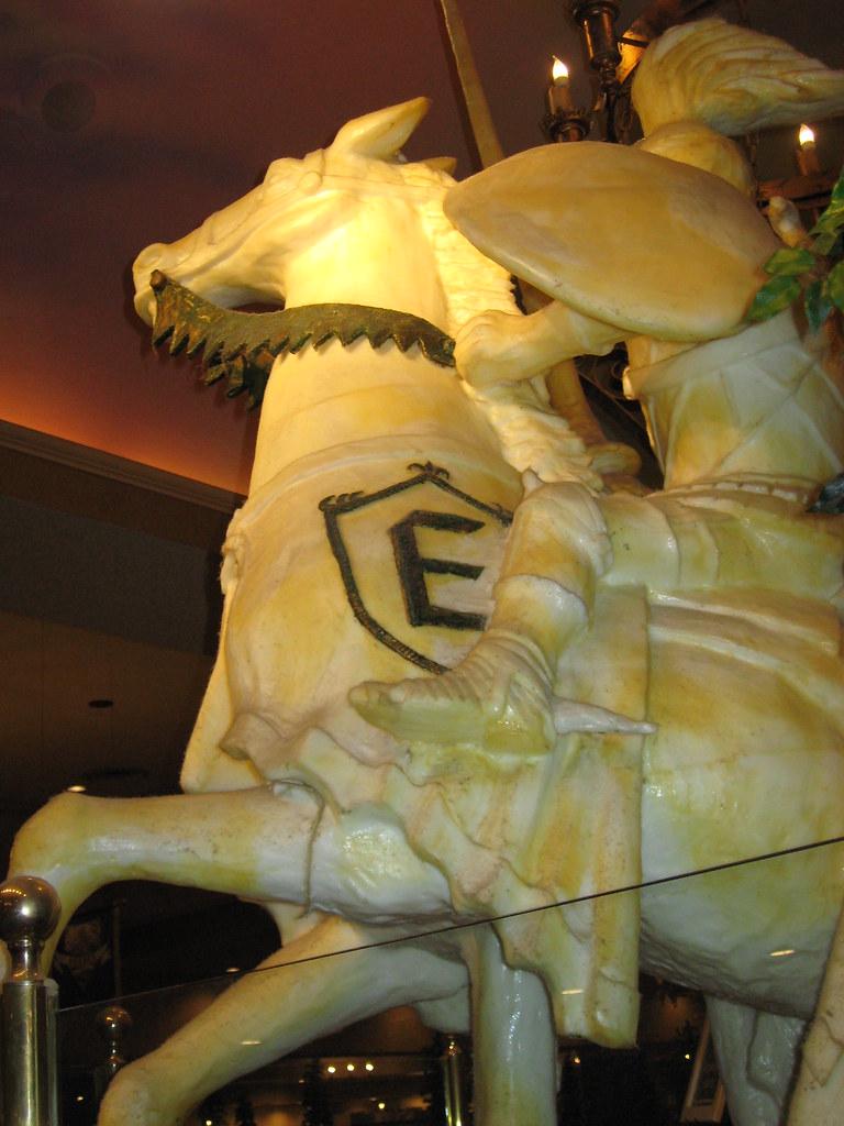 Lard Statue