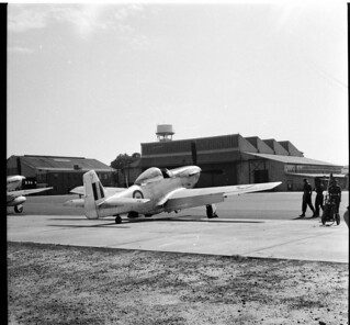 Visitors to RAAF Richmond April 1958