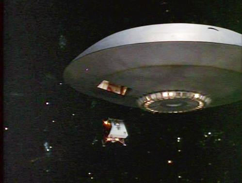 a spaceship landing on jupiter - photo #19