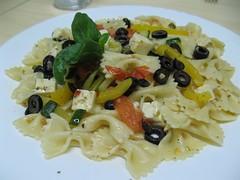 spaghetti(0.0), pappardelle(0.0), penne(0.0), fettuccine(0.0), carbonara(0.0), pasta salad(1.0), salad(1.0), vegetarian food(1.0), pasta(1.0), produce(1.0), food(1.0), dish(1.0), cuisine(1.0),