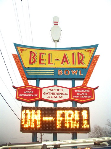IL-Belleville-New Bel Air sign