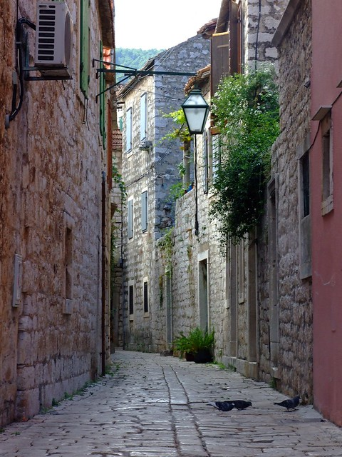 Street in Stari Grad