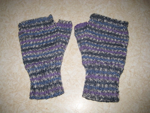 Finished wrist warmers that Fit!