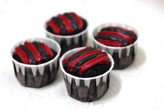 BJC011-2011. Bajet cupcakes for Zarina @ Sri Gombak (RM1.60/pcs with dome container)