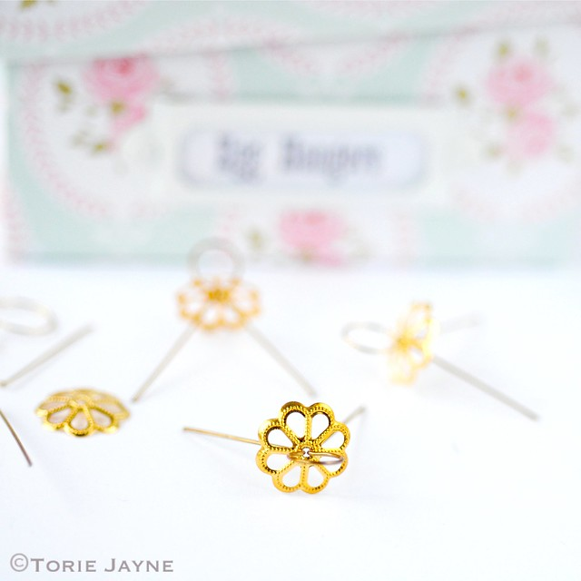 Egg hangers
