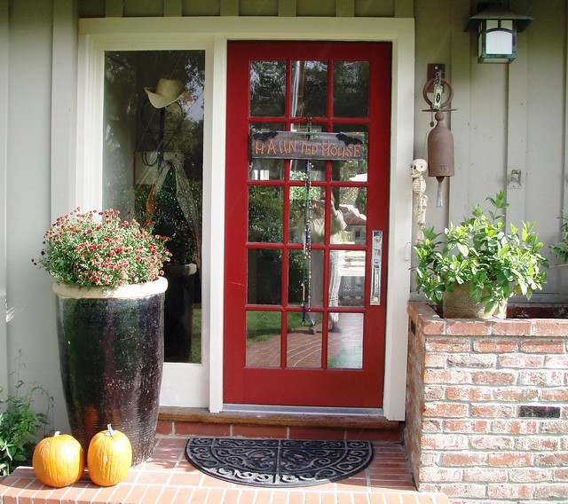 Pumpkin Front Door: Pumpkins At The Front Door