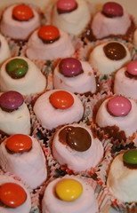 Small Smartie Cakes To Make  Yrs