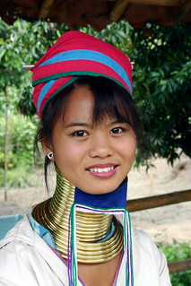 PADAUNG LONG-NECK WOMAN II