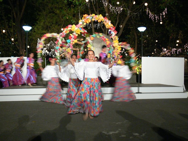 Filipino Traditional Dance http://www.flickr.com/photos/biligiri/1844730818/