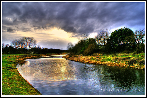forth and clyde canal in hdr