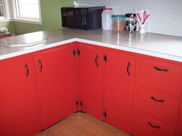 Lower cabinets in the kitchen flickr photo sharing for Betahomes kitchen cabinets