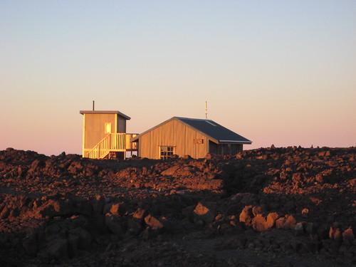 sunrise geotagged volcano hawaii cabin bigisland hawaiivolcanoesnationalpark maunaloa