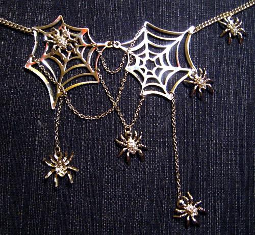 6%dokidoki necklace