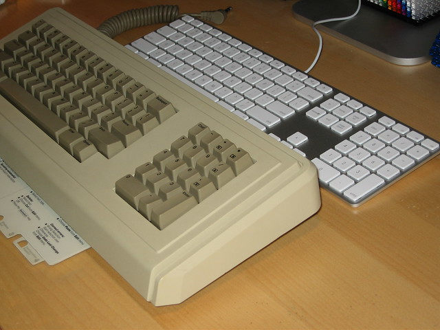 Apple Keyboard Vs Lisa Circa 1983 The Very First