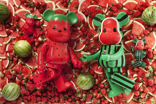 Levi' x CLOT x Medicom Toy Be@rbrick Strawberry & Watermelon 1000%