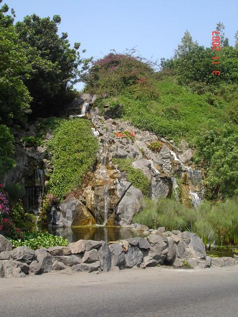 Lima cementerio jardines de la paz la molina flickr for Cementerio jardin