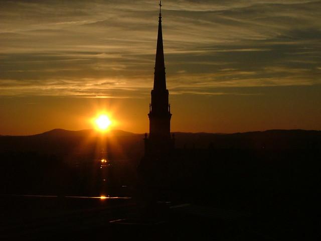 Coucher de soleil sur le clocher II